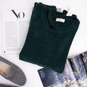 S O P H I E  Rue • Split Crew Neck Sweater